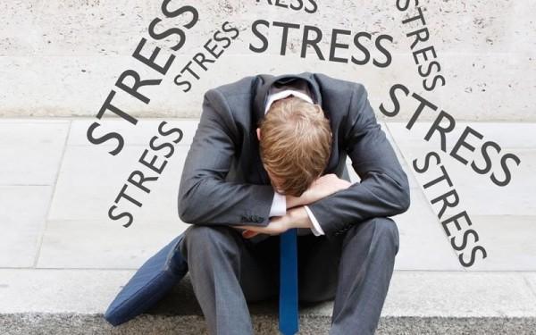 http://lofciam.pl/wp-content/uploads/2012/04/Definicja-stresu-i-jego-objawy-600x375.jpg